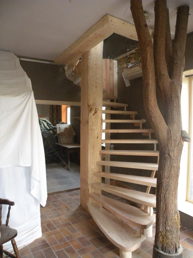 Escalier restaurant Romain des bois à Saint-Hubert