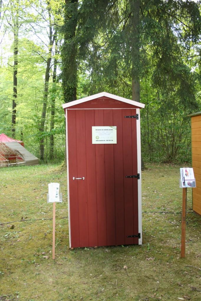 WC sec protégé avec de la peinture suédoise